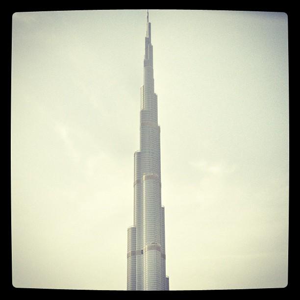 Burj Khalifa - Original image: https://flic.kr/p/f9hdgY - by @michaelambjorn